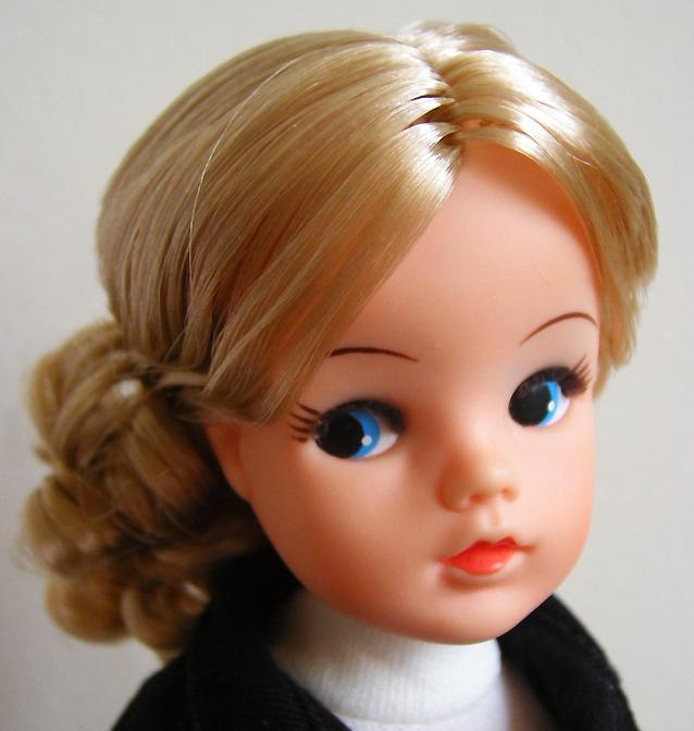 champagne-blonde-sindy-reroot-agnes-2_1301.jpg